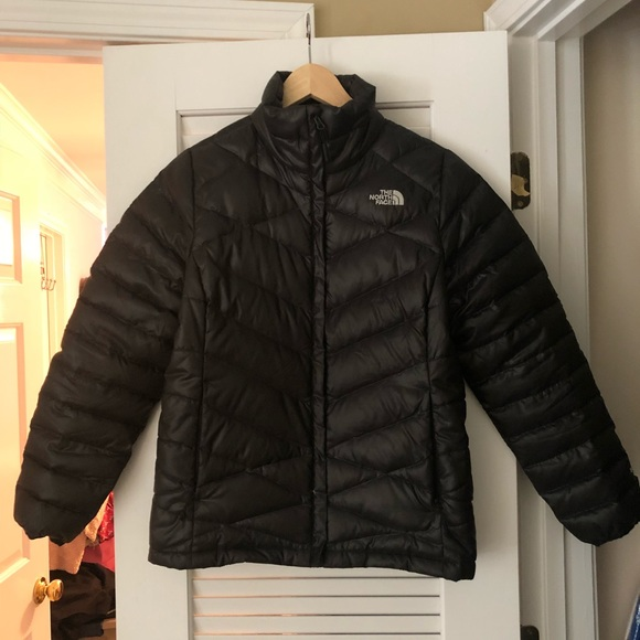 The North Face Women s black puffer jacket. M 5b709488fe5151800d3beeaa 4202a6724b